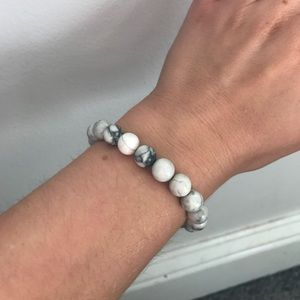Jewelry - Howlite Crystal Mala Bead Bracelet